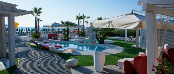 family hotel alba adriatica 3 stelle con piscina